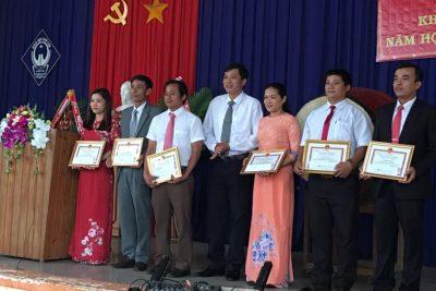 Trường THPT Nguyễn Văn Cừ khai giảng năm học 2017-2018